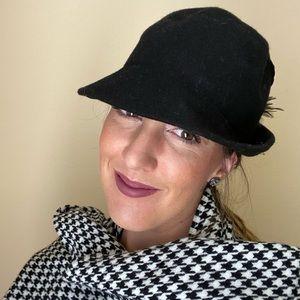 Vintage •Felt Hat•
